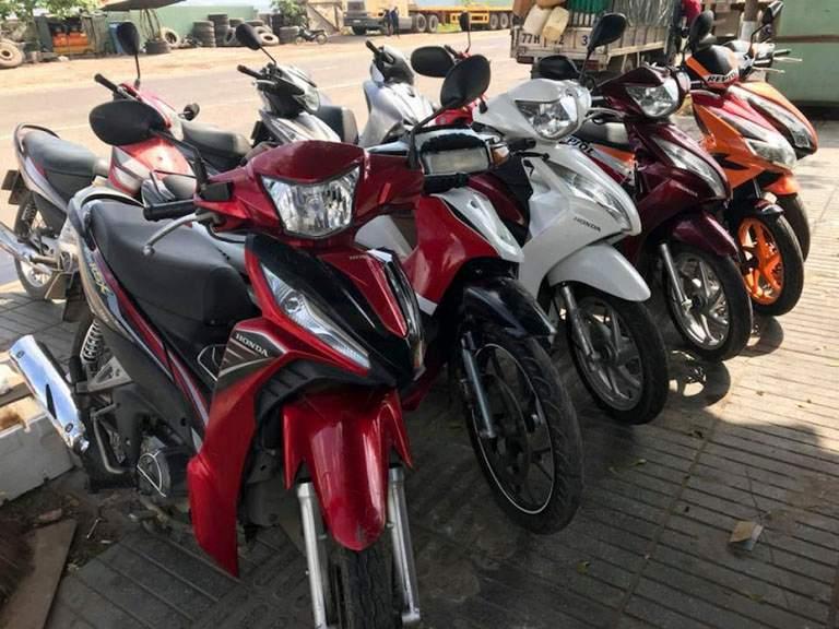 Thuê xe máy tại cơ sở Gia Huy khu vực Đà Nẵng.