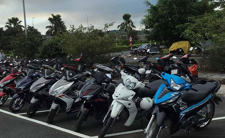 thuê xe máy sân bay Phú Bài