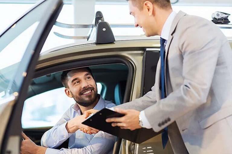thuê xe ô tô tự lái quận 12