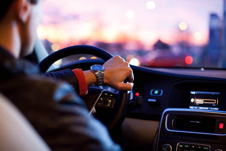 thuê xe ô tô tự lái Cầu Giấy