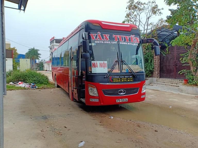 Xe khách Vân Tuyến chạy từ Hà Nội đến Đà Nẵng