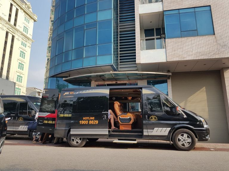 Xe Khánh An Limousine