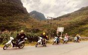 Không ít người lựa chọn khám phá Hà Giang bằng cách đi theo tour