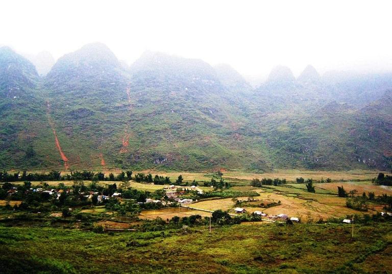 Đường đi tới Quản Bạ từ thành phố Hà Giang cũng không quá xa