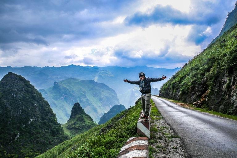 Con đường nối liền giữa thành phố Hà Giang và các huyện