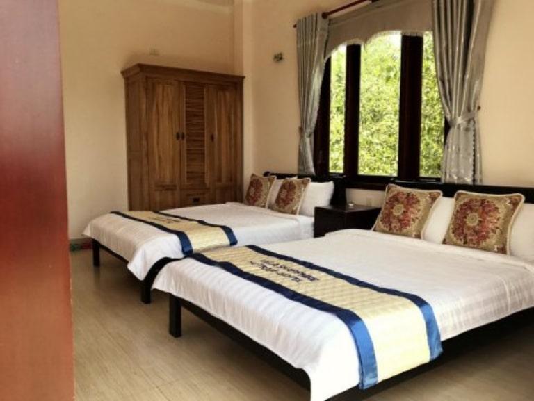 Phòng nghỉ đơn giản với đầy đủ tiện nghi cơ bản tại resort 3 sao Hồ Tràm