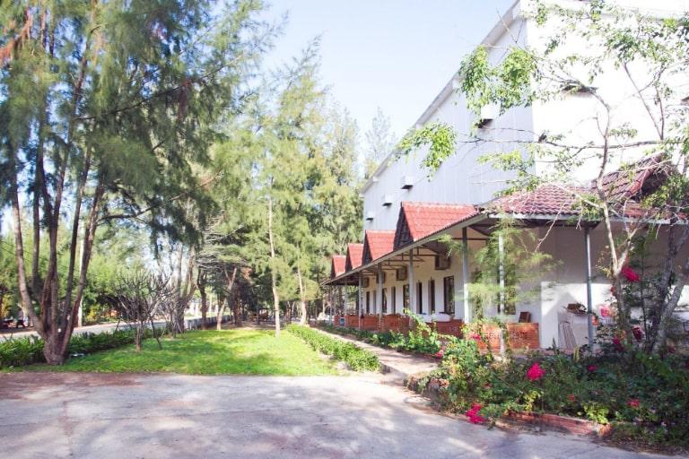 Thiết kế kiến trúc đơn giản và gần gũi tại Resort The Beach House Hồ Tràm