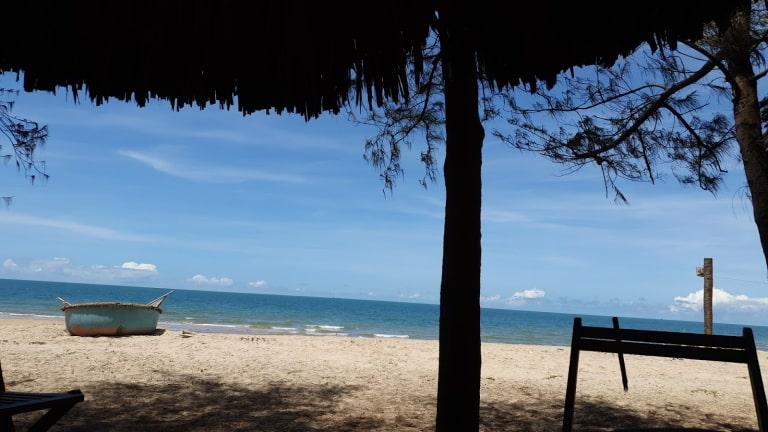 Biển Hồ Tràm hoang sơ bên các resort 4 sao