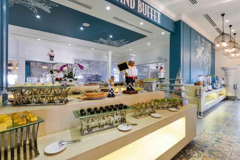 Buffet sáng tại resort Lan Rừng