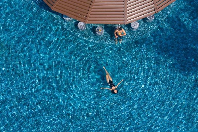 Bể bơi cực khủng của resort Melia Hồ Tràm.
