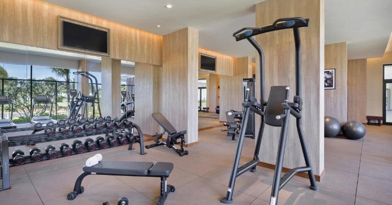 Phòng tập gym với các thiết bị hiện đại