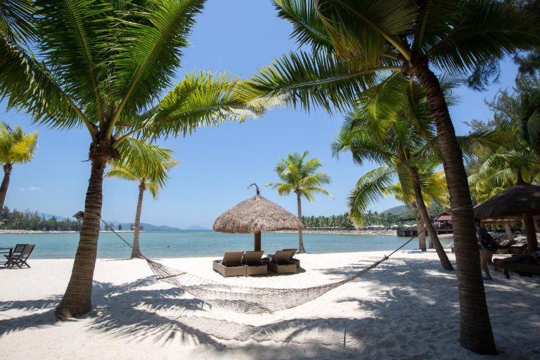 TOP 7 resort Nha Trang 5 sao gần biển, view đẹp nhất