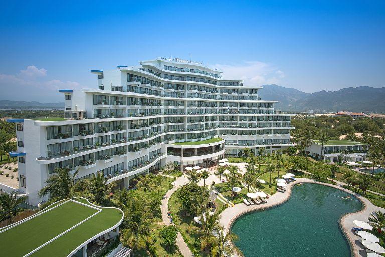 Resort Cam Ranh Riviera