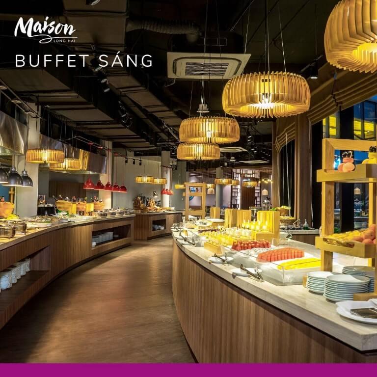 Không gian nhà hàng sang trọng thu hút khách hàng