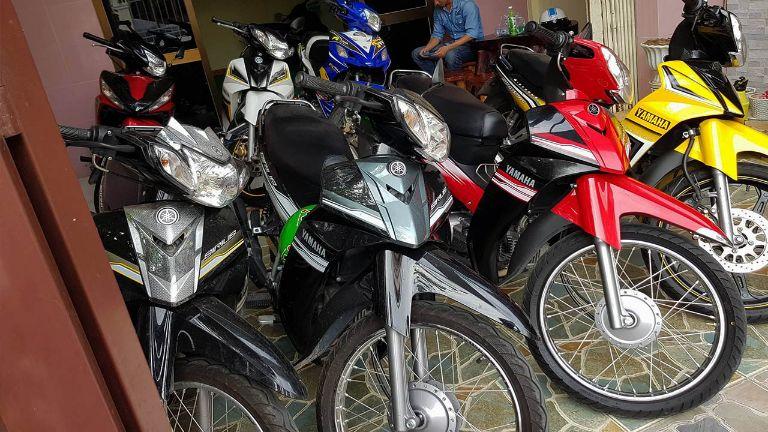 Thuê xe máy Phương Trang.