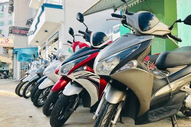 Bảo Trân - Thuê xe máy ở thị xã Phước Long.