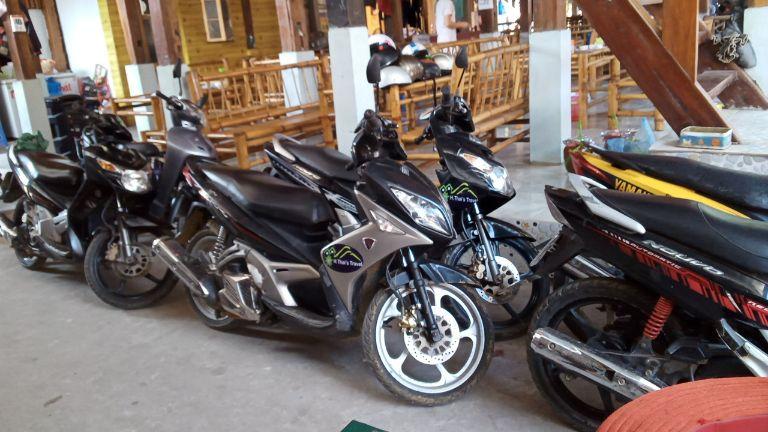 H.Thai's Travel - Cho thuê xe máy tại Bản Lác