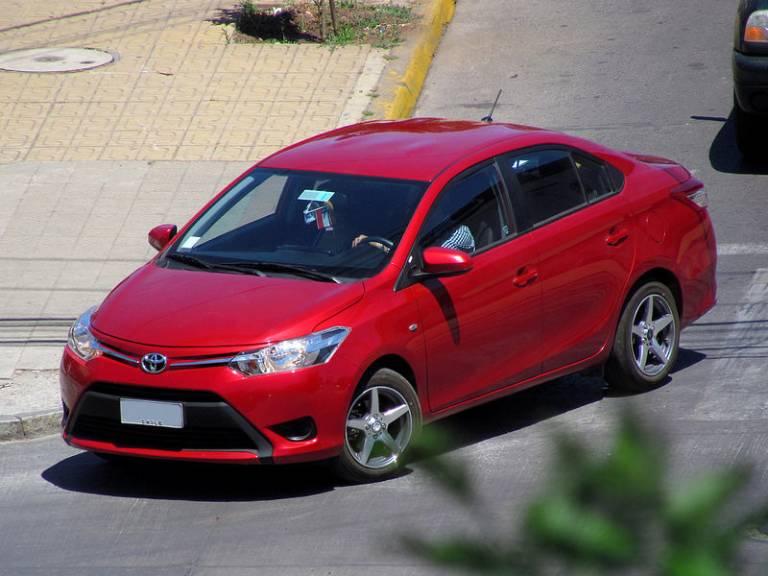 thuê xe ô tô tự lái phan thiết