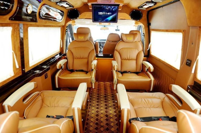 Xe limousine Đà Nẵng đi Huê - Hoàng Đức