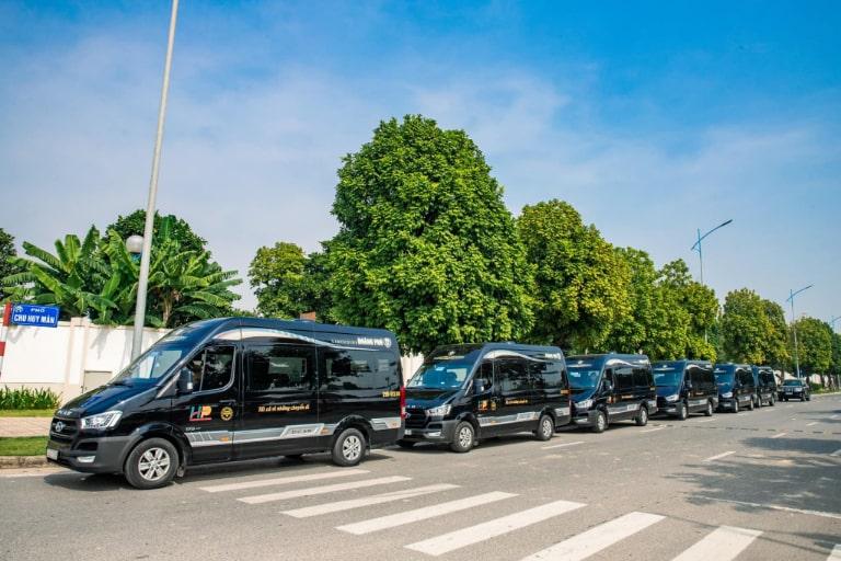 Xe Limousine Hoàng Phú