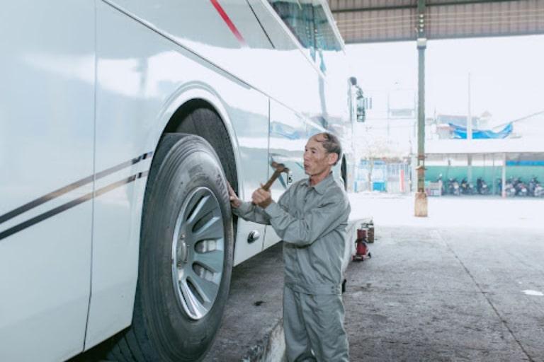 Bảo dưỡng và sửa chữa xe khách