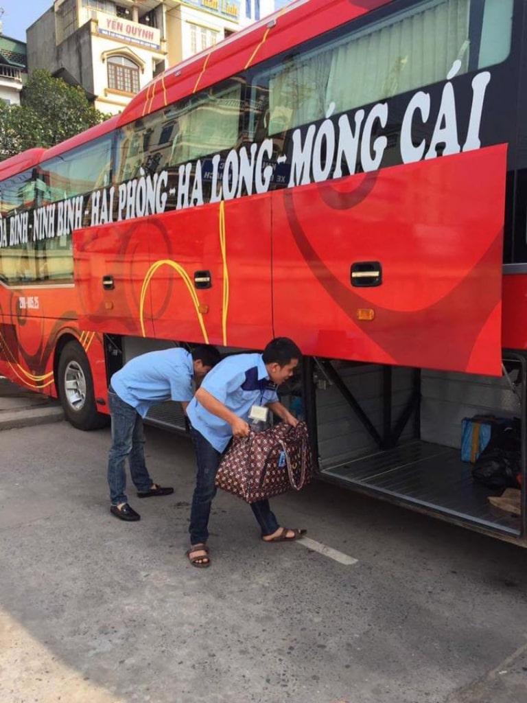 Xe Sơn Huy nhận chuyển hàng
