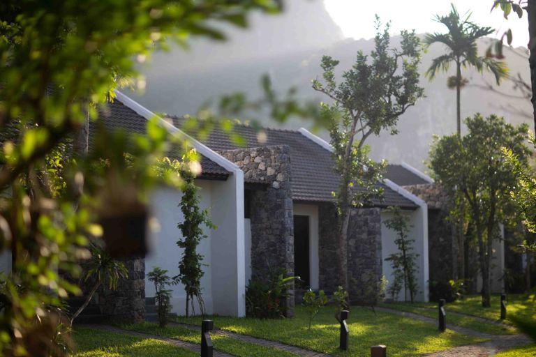 Chi tiết các hạng phòng tại Aravinda Resort Ninh Bình