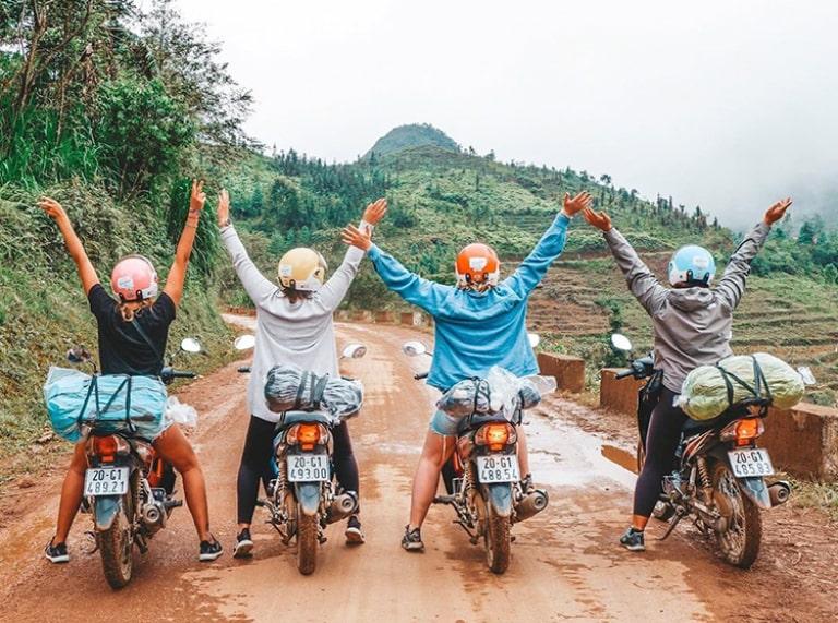 Hình thức di chuyển này sẽ giúp bạn chủ động hành trình khi du lịch Hà Giang tự túc