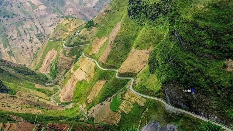 Du lịch ở Hà Giang bạn không nên bỏ qua các cung đường hiểm trở