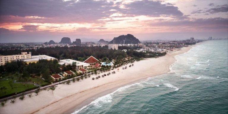 Toàn cảnh Centara Sandy Beach Resort Da Nang
