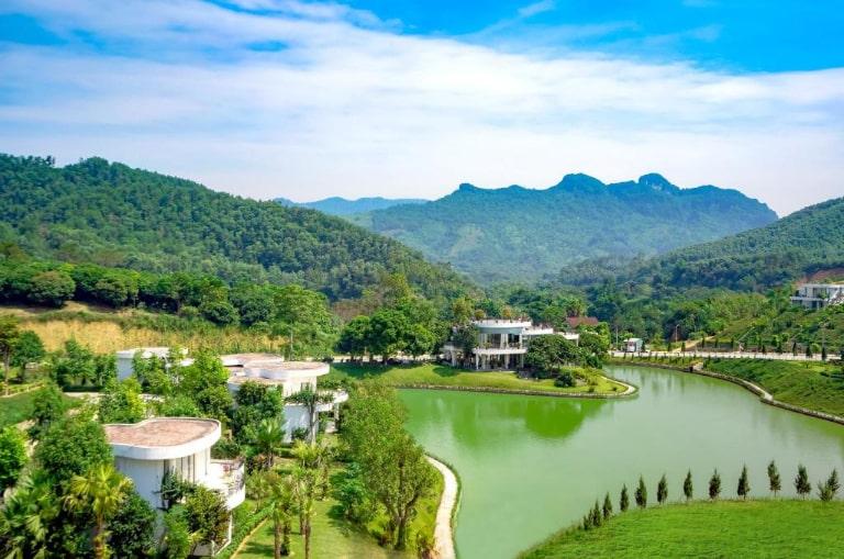 Màu xanh bất tận tại resort 4 sao cao cấp Irovy Hòa Bình