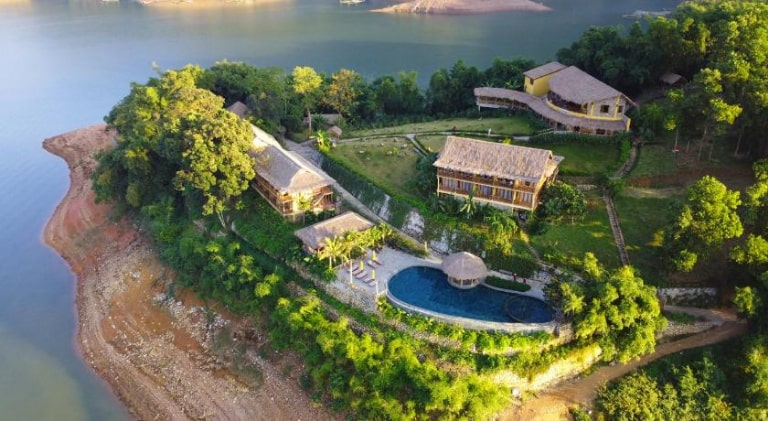 Chốn bình yên giữa mặt hồ tĩnh lặng tại Mai Châu Hideawy resort