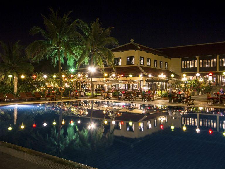 Victoria Hội An Beach Resort & Spa về đêm