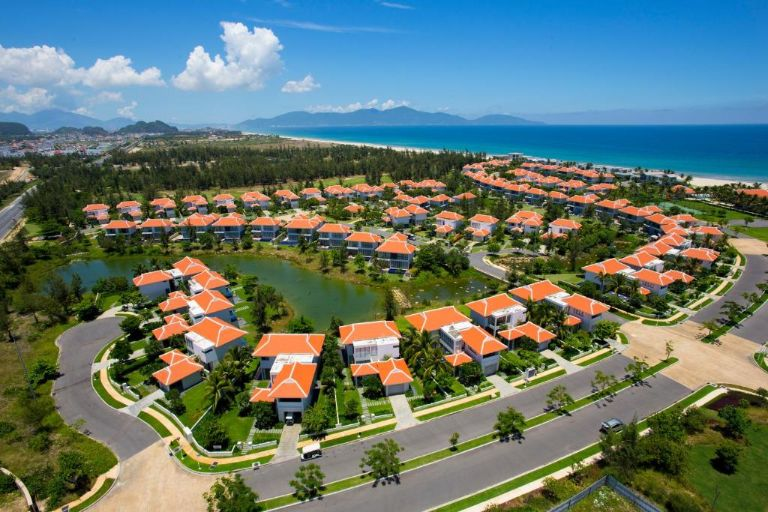 Toàn cảnh The Ocean Villas.