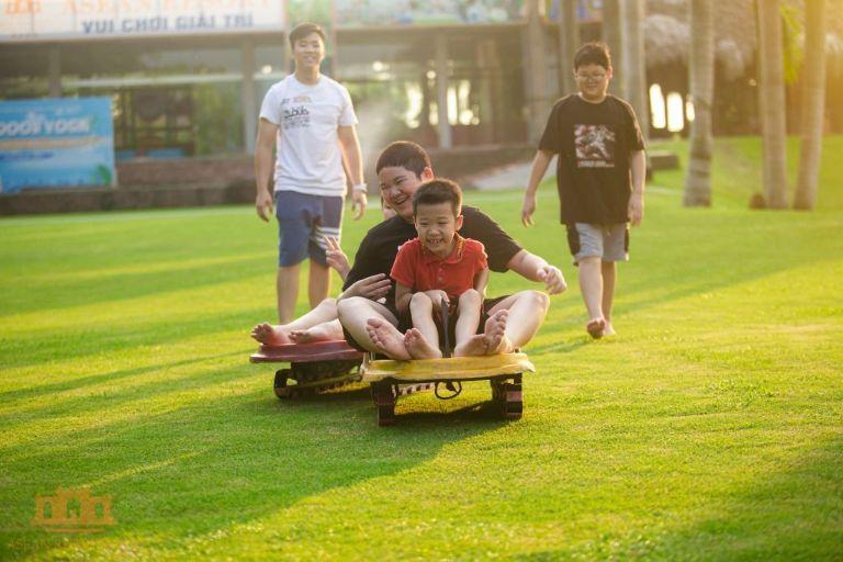 Trượt cỏ tại resort Asean