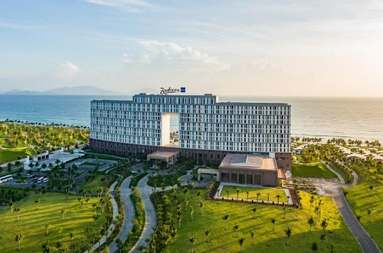 Toàn cảnh cực ấn tượng tại resort Cam Ranh Radisson Blu