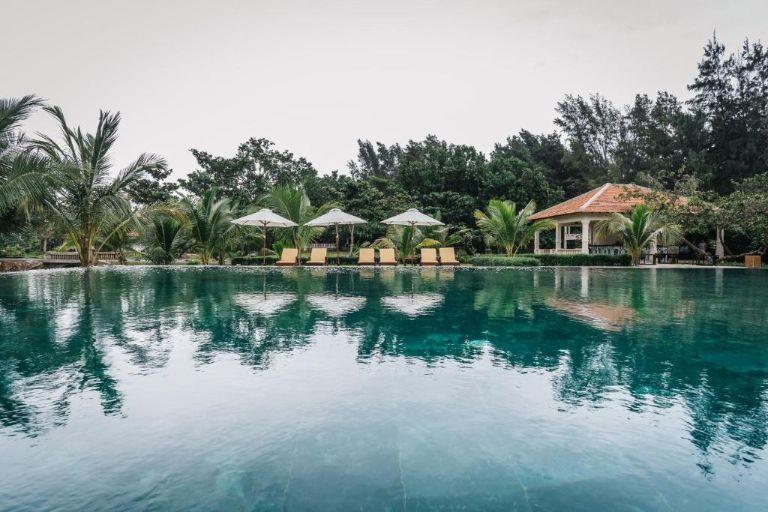 Hệ thống hồ bơi tại resort Côn Đảo