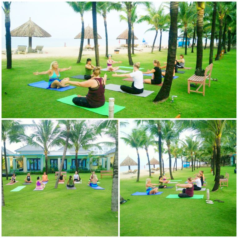 Hoạt động yoga ngoài trời