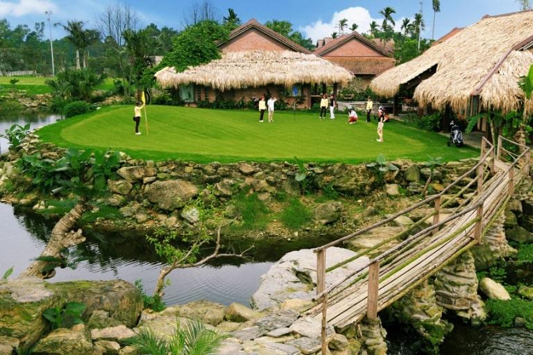 Khu sân golf mini của Asean resort Hòa Bình