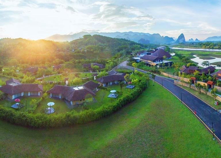 Khu nghỉ dưỡng Serena Hòa Bình trong nắng mai rực rỡ