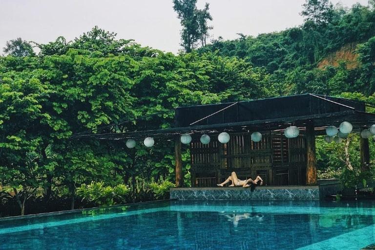 Hồ bơi tại An Lạc Resort Kim Bôi Hòa Bình