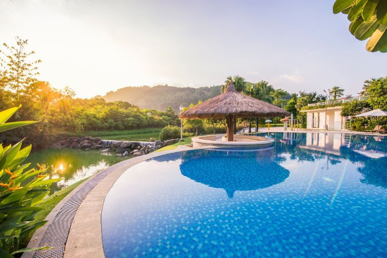 Hệ thống hồ bơi cực chất tại resort Thạch Thất