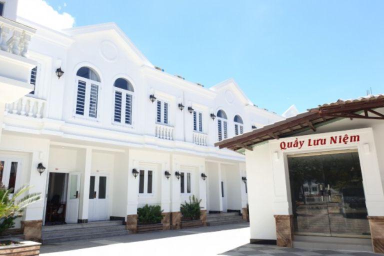 Thiên đường mua sắm tại resort Vĩnh Hy