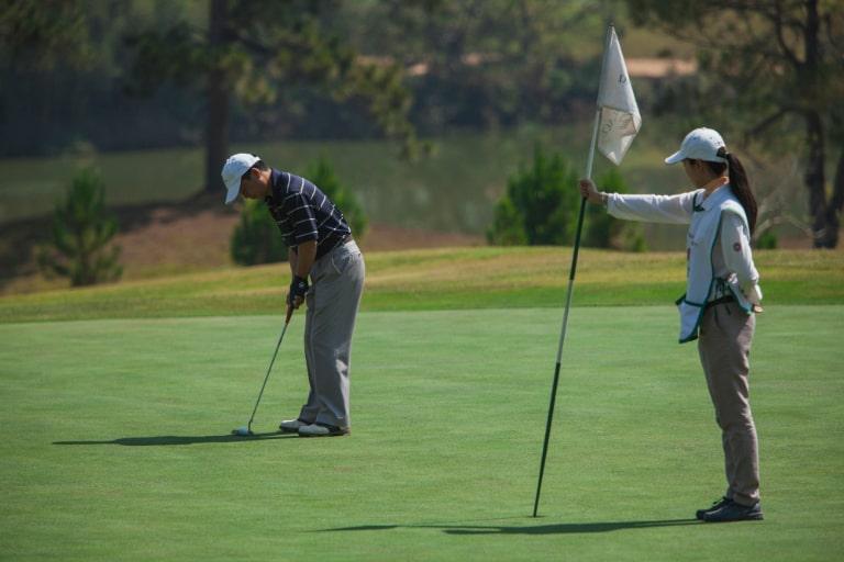 Sân golf đạt chuẩn
