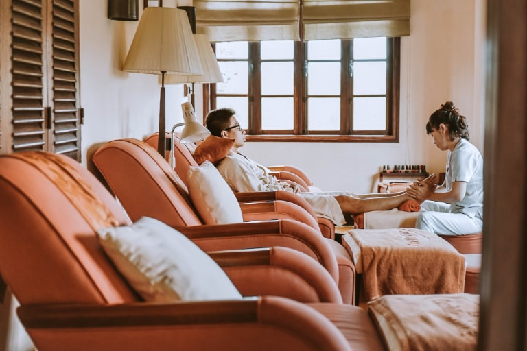 Dịch vụ foot massage tại Ana Mandara Đà Lạt Resort