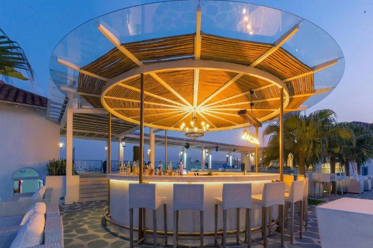 Quầy bar Kapari Wine tại resort Risemount Đà Nẵng