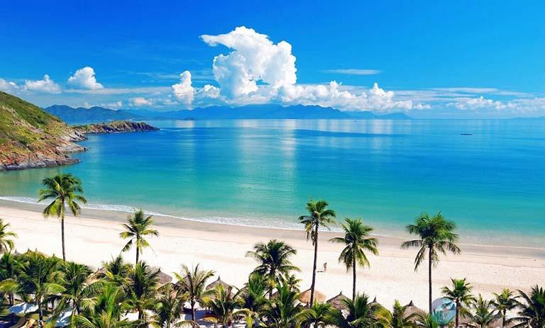 Biển Mỹ Khê - bãi tắm đẹp nhất tại thành phố này.