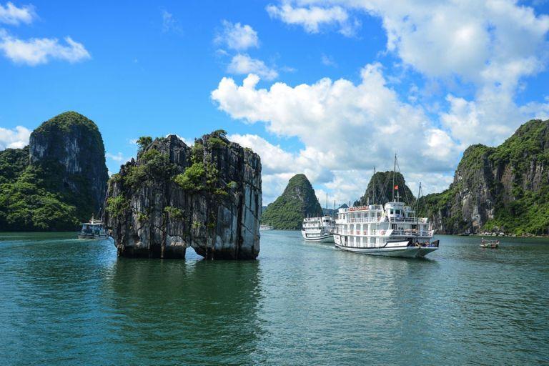 Hạ Long thường là điểm đến được lựa chọn hàng đầu trong mỗi chuyến đi