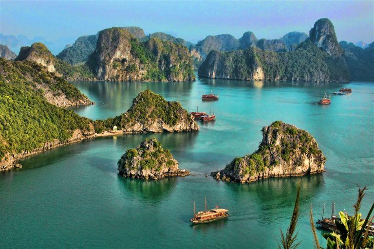 Vịnh Hạ Long được UNESCO công nhận là kỳ quan thiên nhiên thế giới