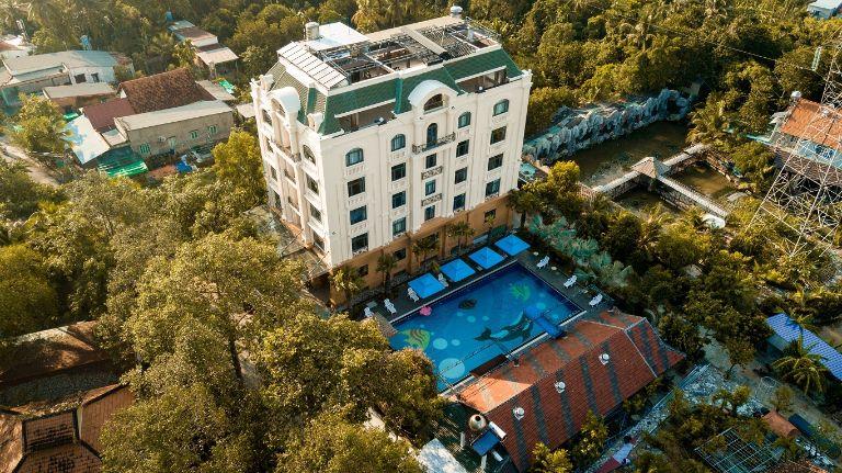 Golden Emerald Resort